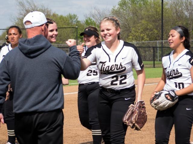 Spring sports begin final push to championships