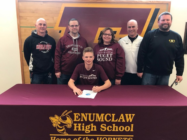 Kenny Herbst signs to play baseball at UPS
