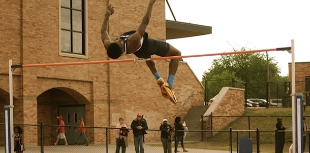 """Parker Clears 6'6"""" to Take First at BTW Track Meet!"""