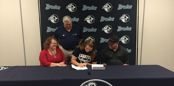 Bruin Volleyball Player Ashlynn Robbins Signs at Labette Community College!