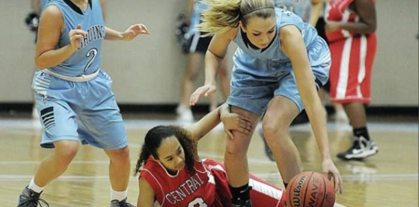 Lady Bruins Storm Past Central 85-22