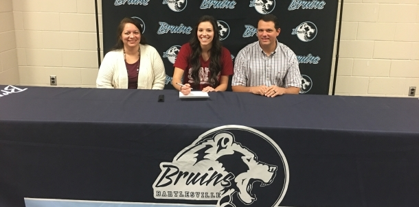 Olivia Lindsly Signs to Play Volleyball at SNU!