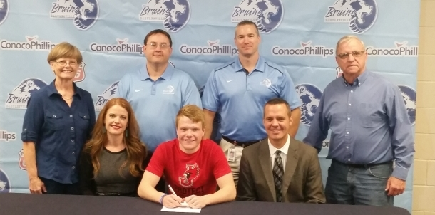 Bruin Swimmer Mason McCauley Signs with William Jewell!