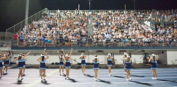 2013 Varsity Cheerleaders Leading Bruin Fans!