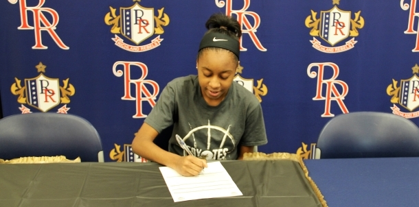 Destiney signing day 2