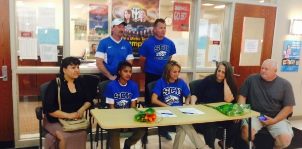 Brenda Gonzalez and Tayler Conner sign with SGU