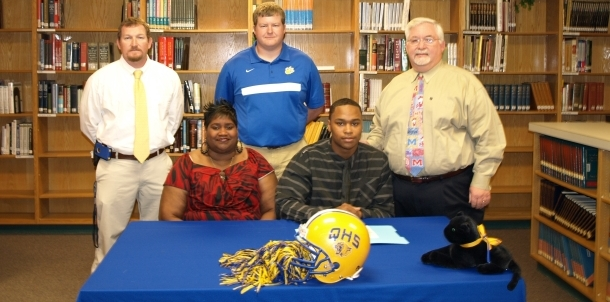 Anthony McGee Signs with East Central CC