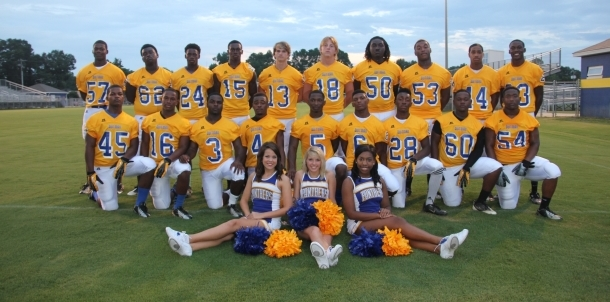 2013 Senior Football Players and Cheerleaders