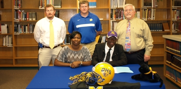 Franklin Jones Signs with Miles College