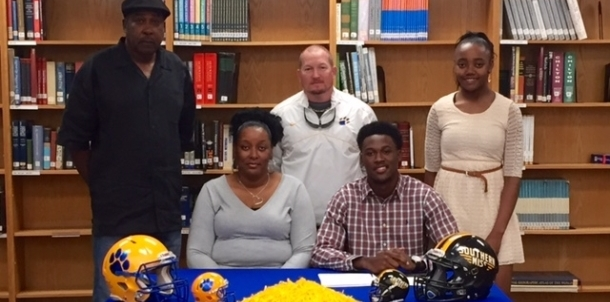 Former Panther Tarvarius Moore Signs With USM