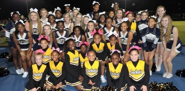 SSS and Selma Rec Yellow jackets cheer at Homecoming