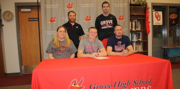 Grove senior Casen Brown signing with RSU
