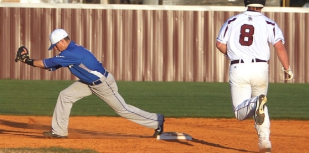 Panthers' short game, pitching frustrate Hornets