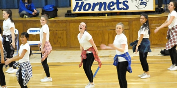 Freshman dance, cheer entertain at halftime