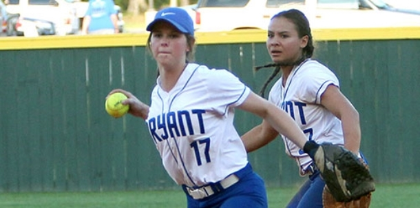 Lady Hornets retain share of first with dramatic win over Cabot