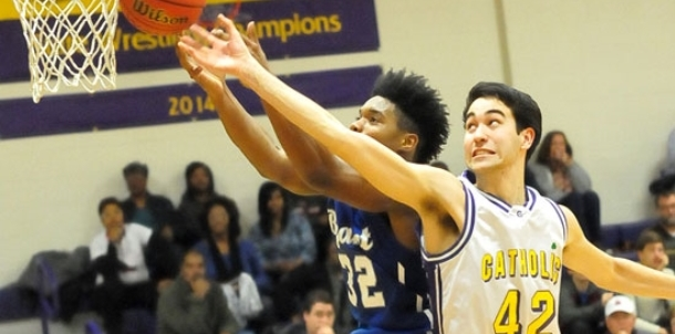Hunt's 33 sparks Hornets to first 7A conference win