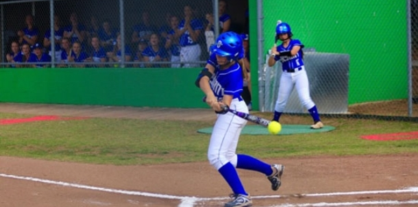 Lady Hornets pin down top seed despite extra-inning setback