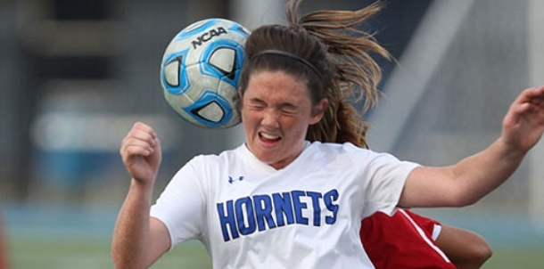 Lady Hornets capture third straight win behind Campbell