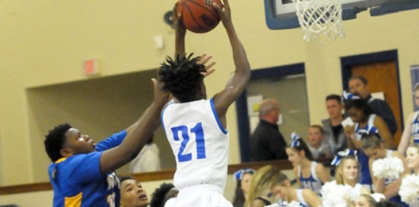 Charging Wildcats rush to victory over Hornets in freshman game