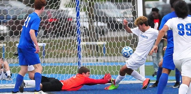 Cruz' late goal provides winning edge for Bryant boys