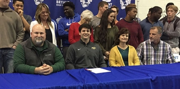 New Wonder Boy: Hornets' iron man Knowles signs with Tech