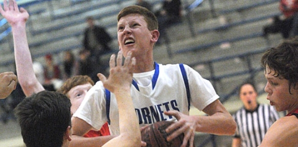 Calhoun drives for last-second game-winner as freshman boys win third straight