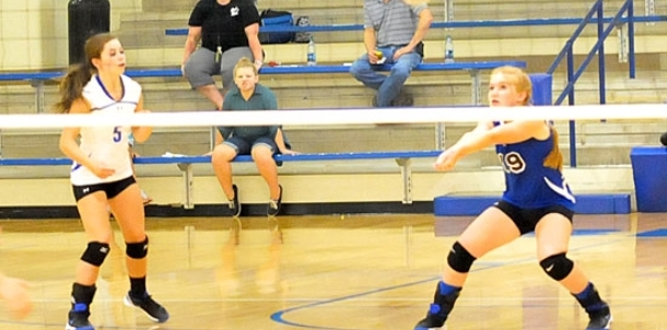 Freshmen Lady Hornets rally past Conway Blue