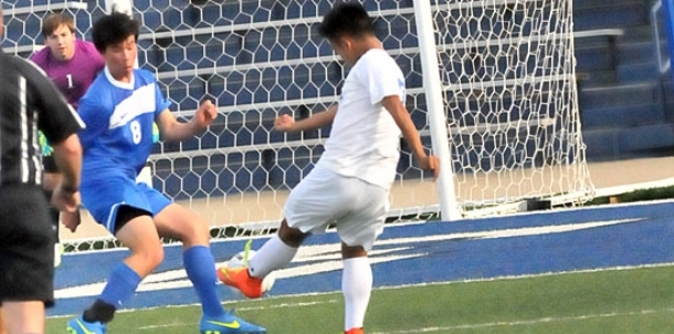 Wampus Cats get lone goal in league match against Hornets