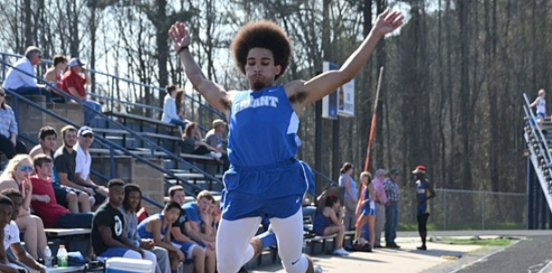 Bryant boys open with strong effort in home meet