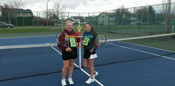 Hornet Tennis tradition continues with Egg Toss Champions