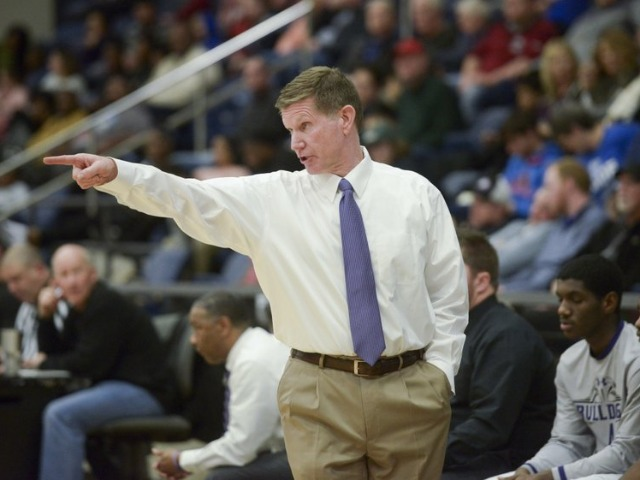 Adams to resign as boys basketball coach at Fayetteville