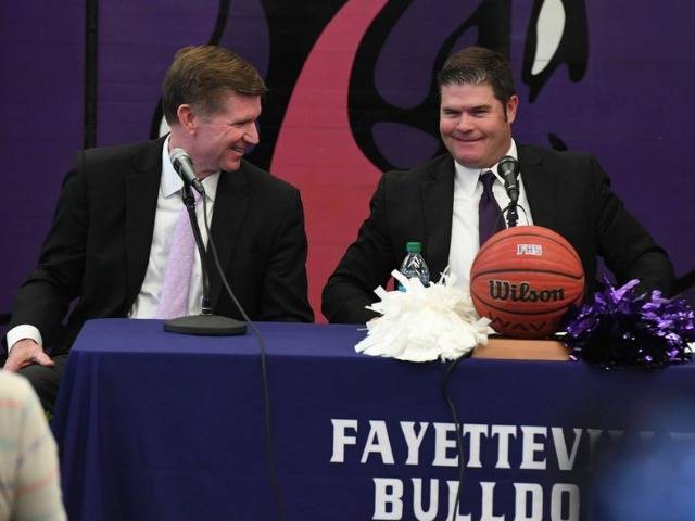 Stamps to succeed Adams as Fayetteville boys basketball coach