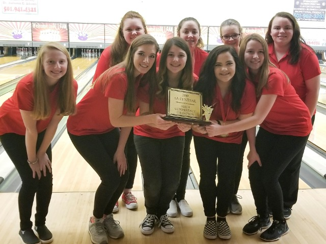 Lady Panther Bowling Team Named 2019 Bowling 6A Central Conference Champs