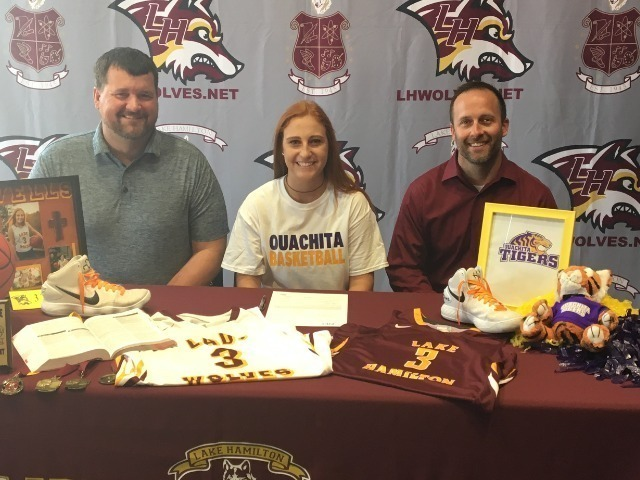 Taylor Wells signs with Ouachita Baptist University