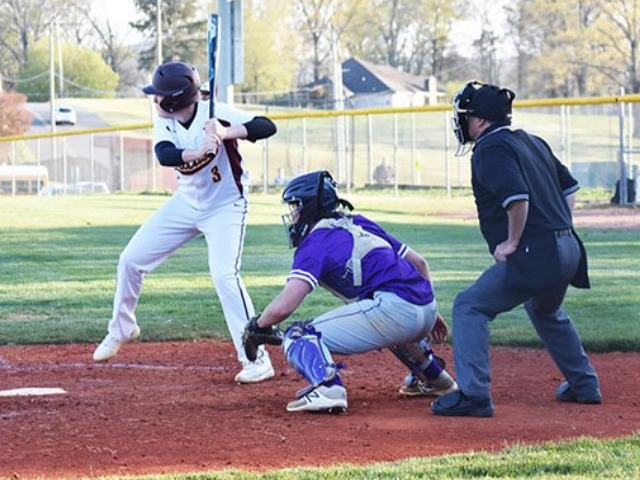 Big fourth inning lifts Wildcats over Wolves