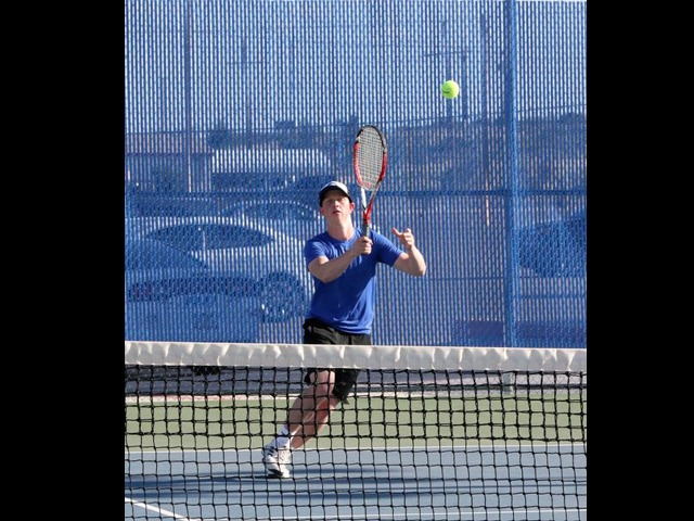 Cavemen and Cavegirls send nine to state for tennis tournament