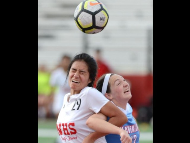 Southside Mavs grind out 3-1 win over Northside Lady Bears