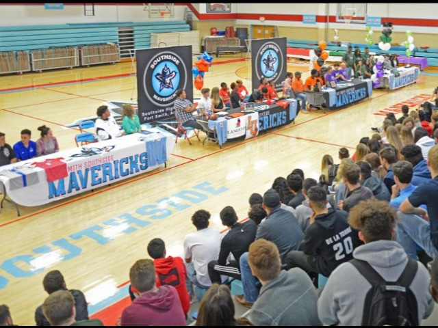 Seven Mavericks sign letters of intent