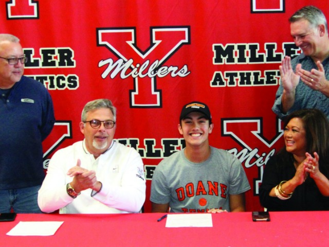 Elmborg inks future with Doane University