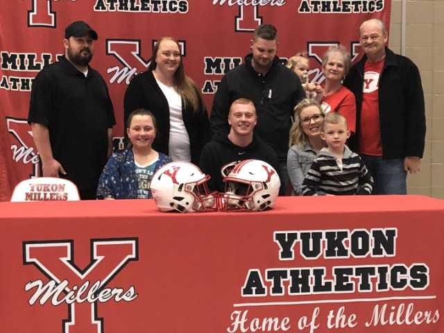 Fouts signs with Southern Nazarene