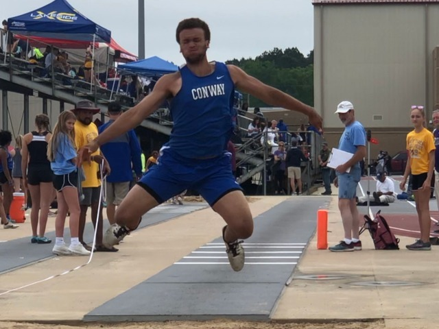 Cats Finish 3rd and 5th in State Track Meet