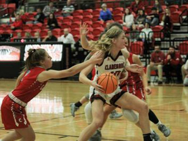 Grant's heartfelt 19 points carry Lady Zebras past Cascia Hall in Oologah Tournament