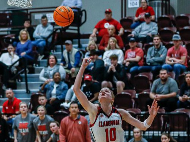 Lady Zebras close season with near-upset of No. 1 Will Rogers