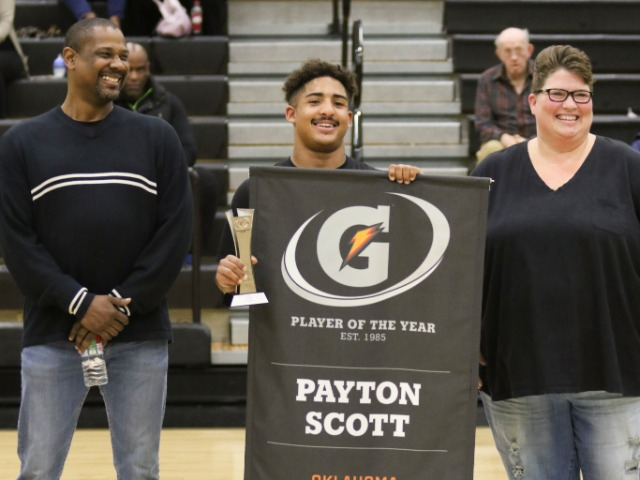 Payton Scott honored with Gatorade player of the year banner