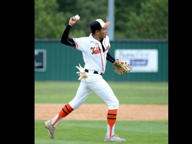 Big inning lifts Red Oak past Tahlequah