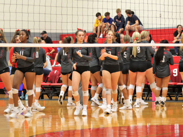 Liberty Volleyball Team Still Undefeated in District