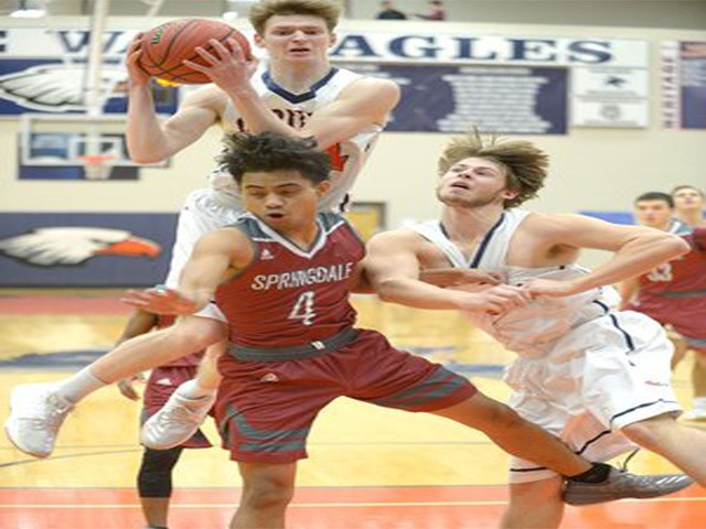 War Eagles rally past Red'Dogs
