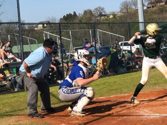 Bulldogs Softball Has Good Showing at Van Buren Tournament