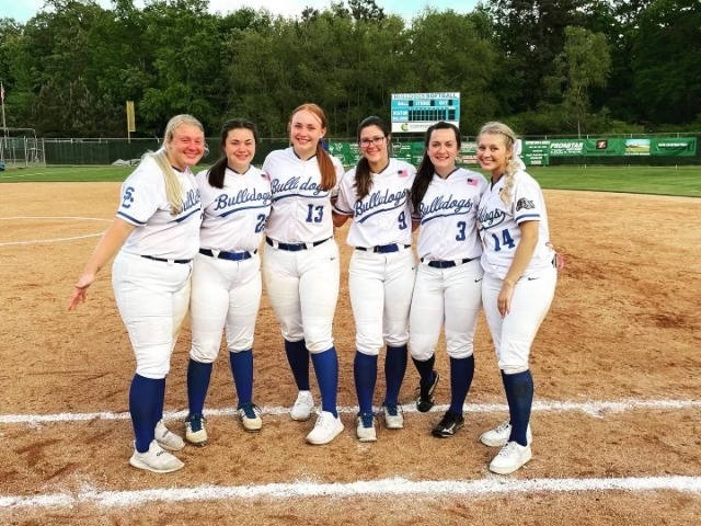 Bulldog Softball Punches their Ticket to State