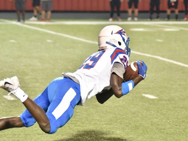 Searcy's lightning-quick offense too much for Blue Devils